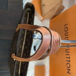 Louis Vuitton Bags - 👜Louis Vuitton Large Monogram Luco Tote Bag 👜
